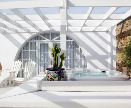 hotel jacuzzi design, greco philia luxury suites villas
