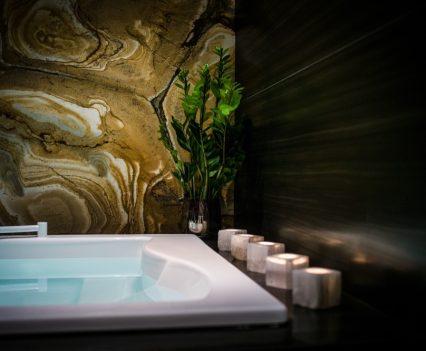 hotel jacuzzi design, nira alpina
