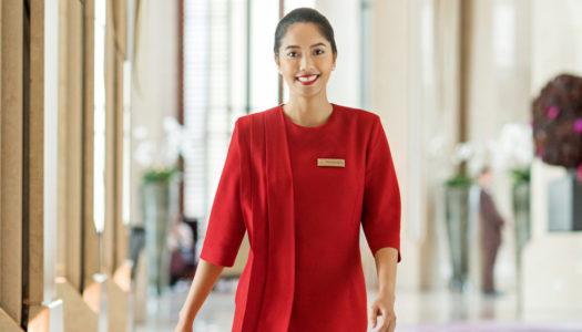 Η Κυρια με τα Κοκκινα (Lady in Red), μας λεει τα παντα σχετικα με το ρολο της στο Siam Kempinski Hotel Μπανγκοκ