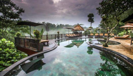 Ενα Ξενοδοχειο στο Μπαλι, μετατρεπει τη ζουγκλα σε Luxury Facility!
