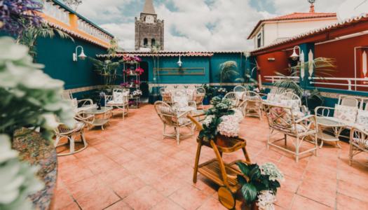 Ενα εντυπωσιακο Rooftop Ξενοδοχειου δημιουργει μια μοναδικη εμπειρια για τον πελατη
