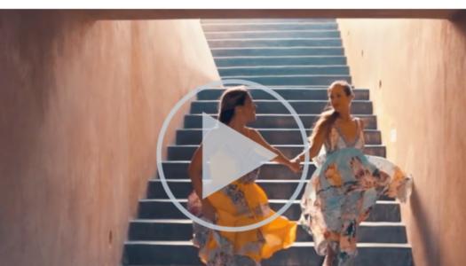 Η ιστορια πισω απο το ξενοδοχειακο video που εκανε τις πολυτελεις διακοπες ξανα διασκεδαστικες